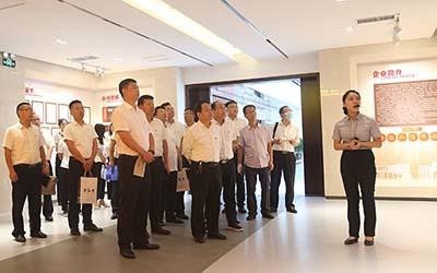 集团总经理张伟率队赴bob足球app官网机施集团对标学习